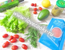 Салат із сьомгою та авокадо
